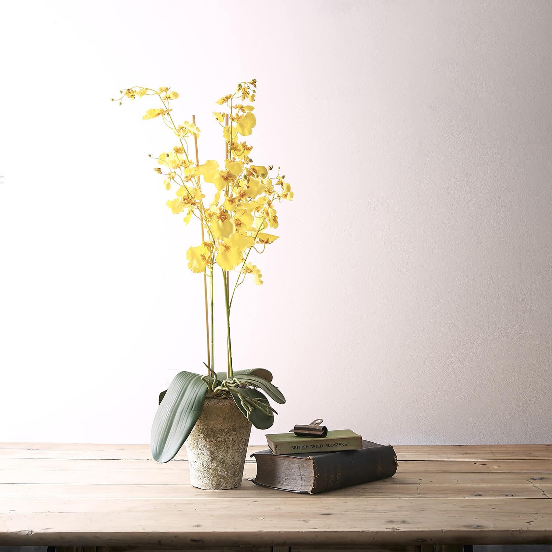 Studio flash used to illuminate this artificial arrangement from Flower Studio Marlow
