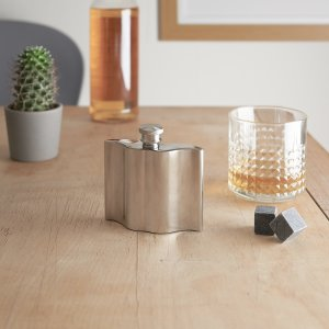 Giftware photography of a whisky flask part of Dapper Chap collection by CGB Giftware
